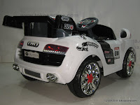 4 Mobil Mainan Aki Pliko PK9200N Audi dengan Kendali Jauh