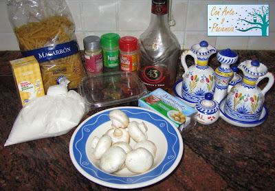 Salsa cremosa de champiñones con licor 43 con pasta
