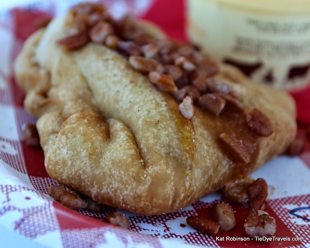 fried peach pies and spicy fried peach pies these sweet summer treats ...