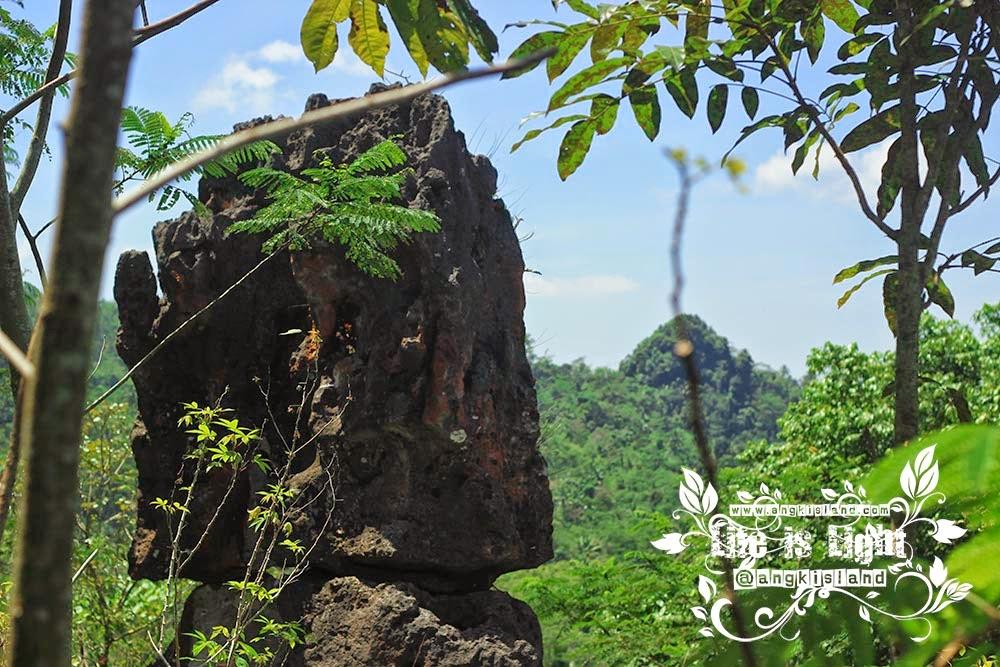 Watu Blencong KulonProgo
