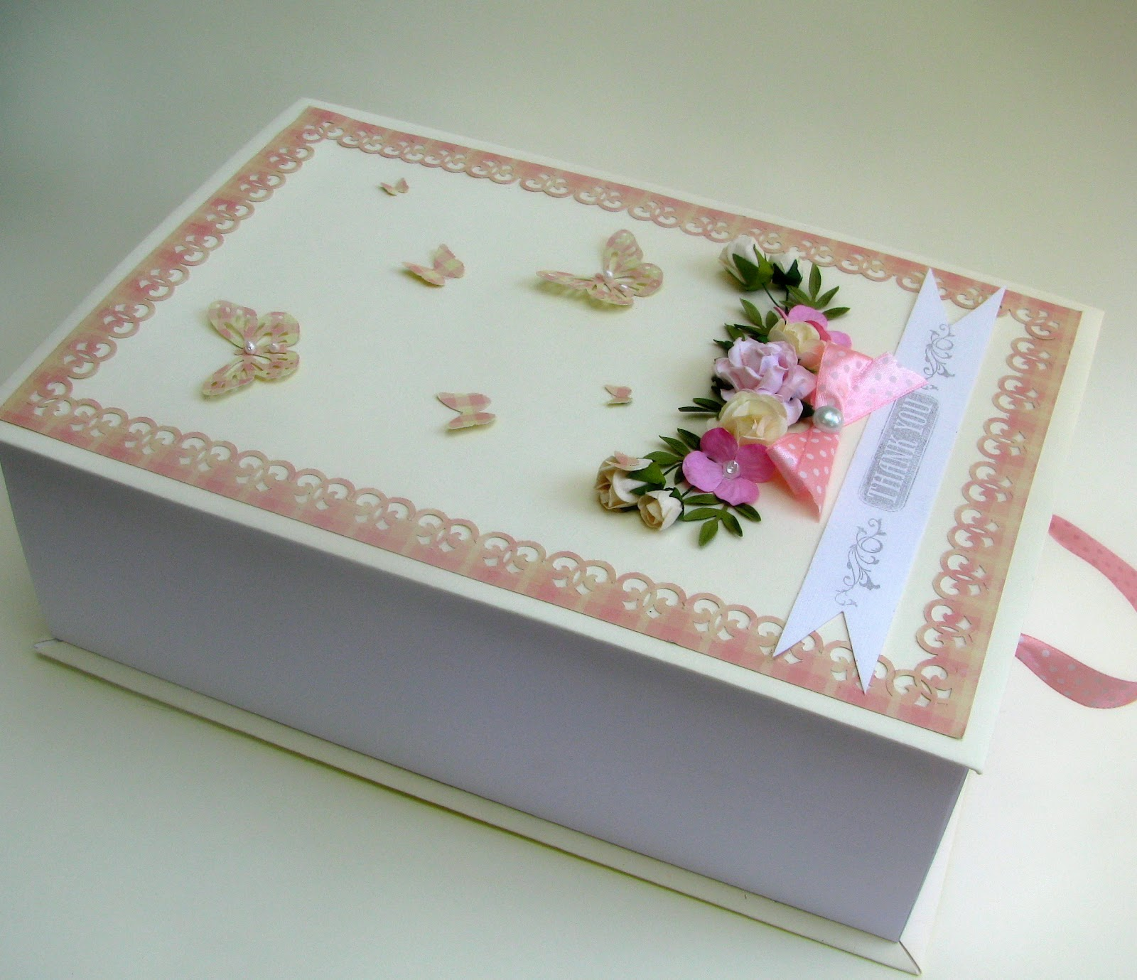 My Crafty Studio O Cutie Pentru Cadou Si 3 Invitatii