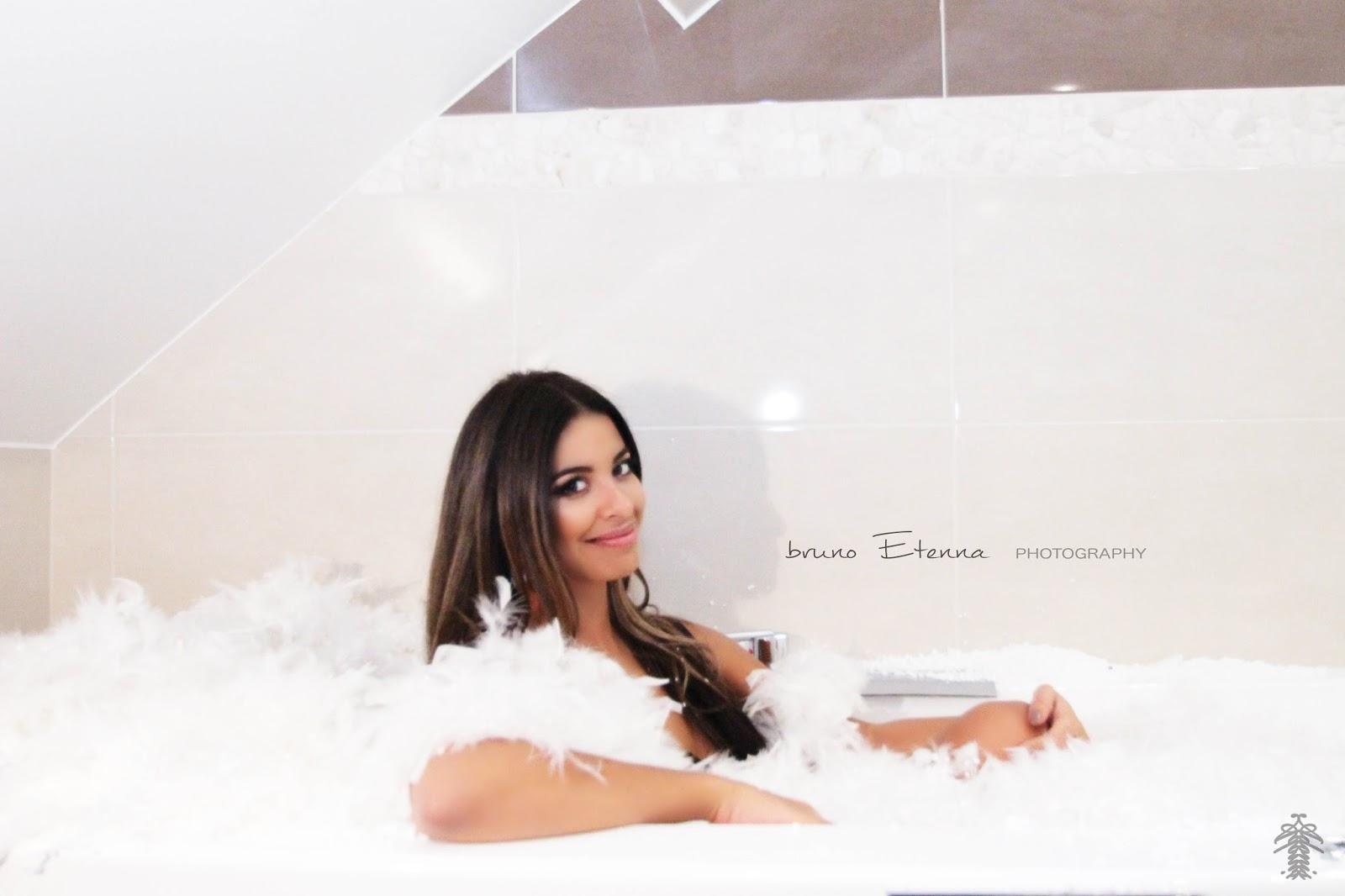 Telereality girls bienvenue sur telereality girls pour for Article pour le bain