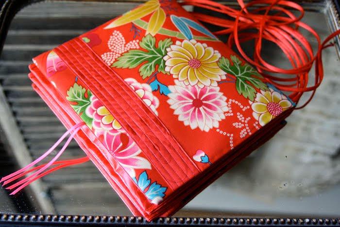 carréàzoon itaya naomi bande surpiquée rouge