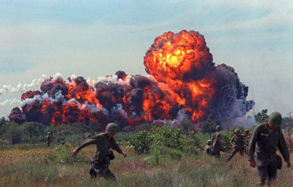 Bom napalm Vietnam