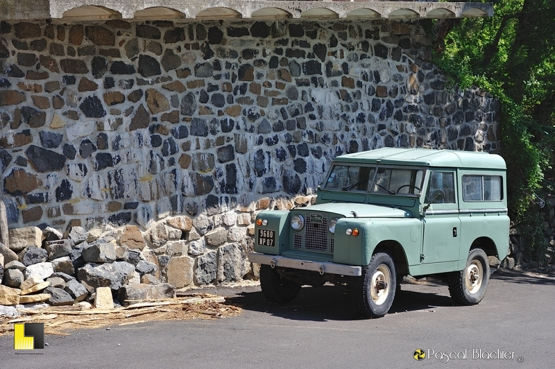 un superbe land rover photo blachier pascal