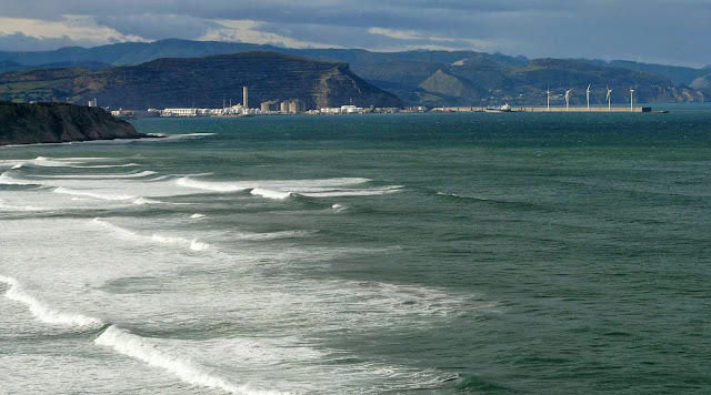 surfing bizkaia 01