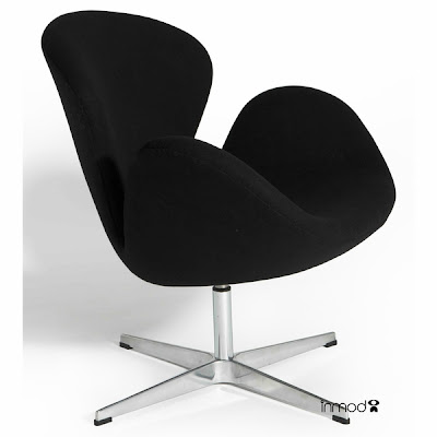 Top and High Quality Swan Chair by Arne jacobsen