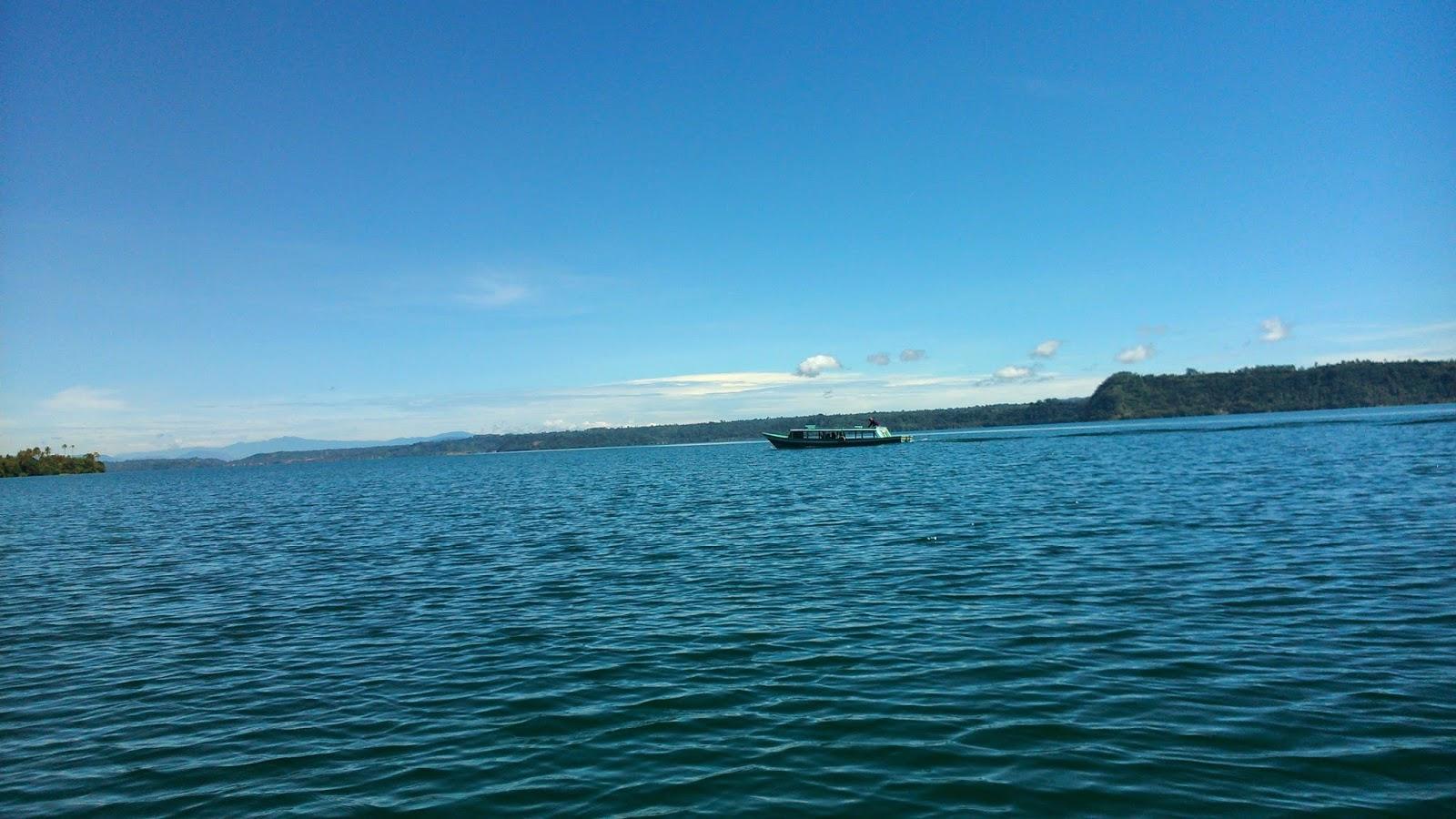 penyebarangan danau ranau