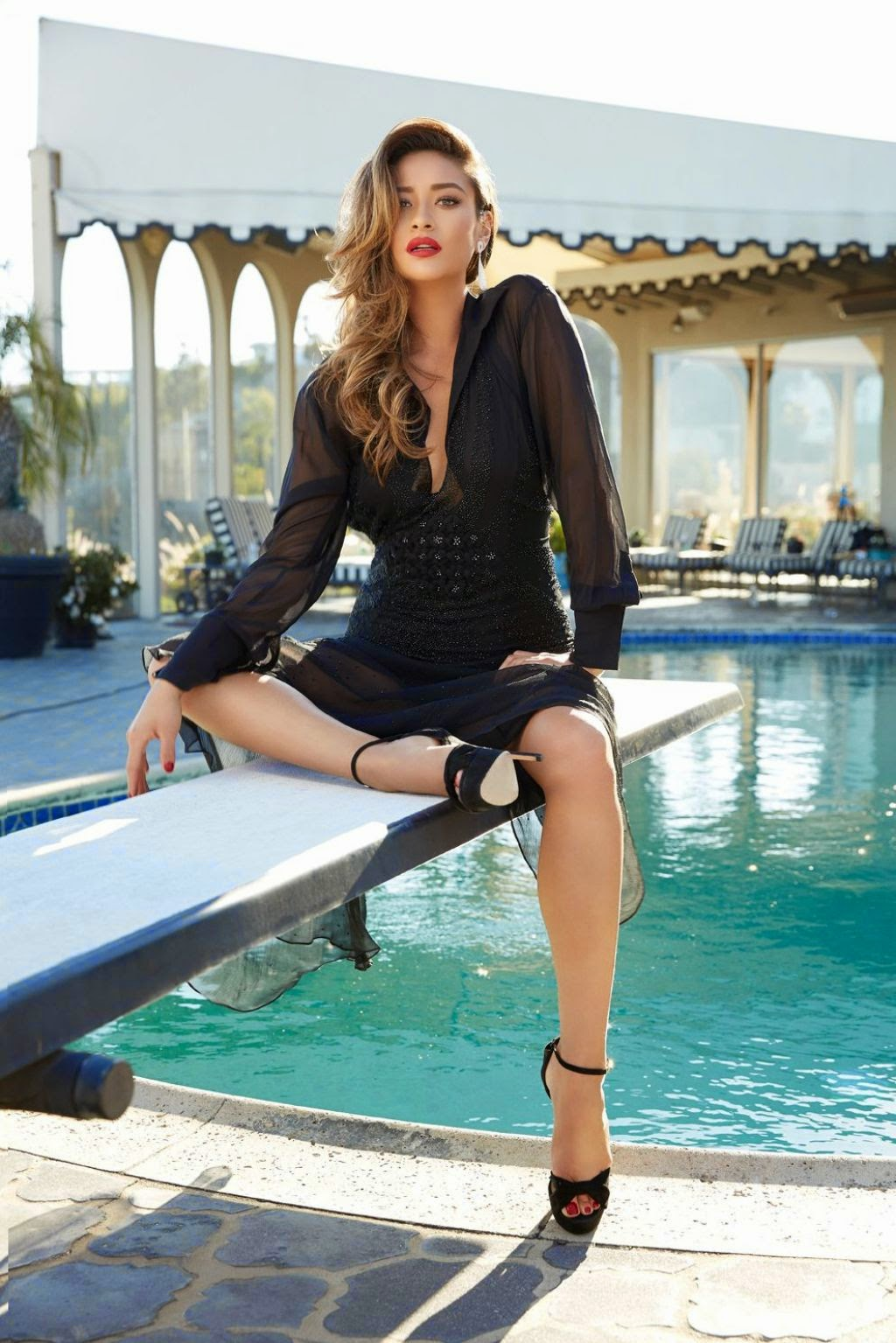 Shay Mitchell – Glamour Magazine (Mexico) November 2014 Issue