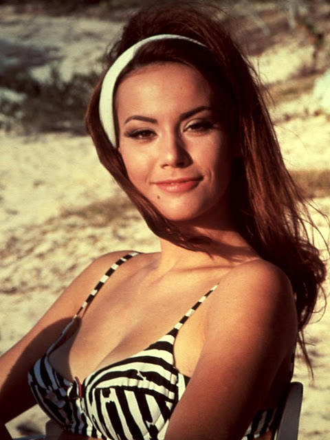 Claudine Auger Video4