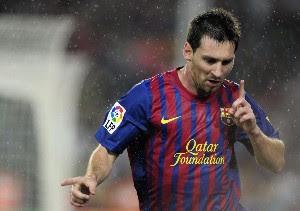 Lionel Messi le ganó el duelo a Falcao García