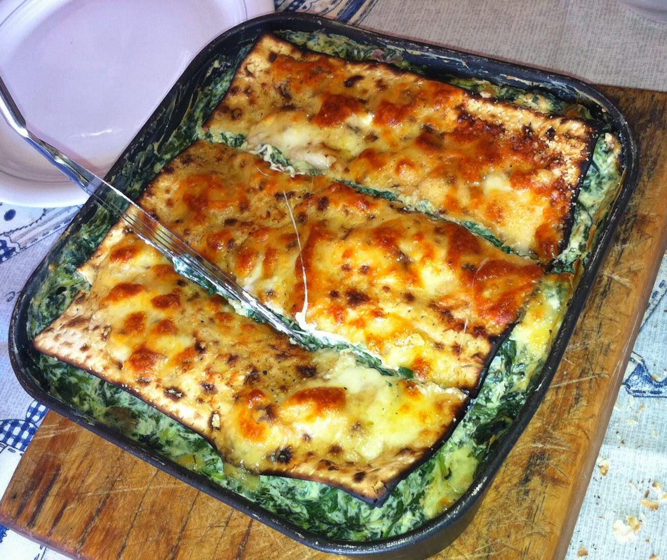 lasagne di matza' (pane azzimo) per pesach