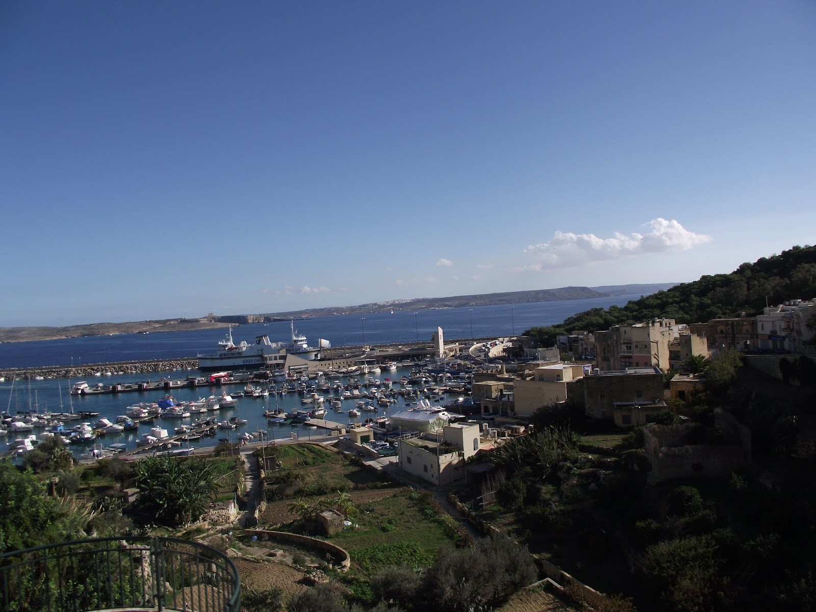 Puerto de Gozo , donde nos dejó el ferry.