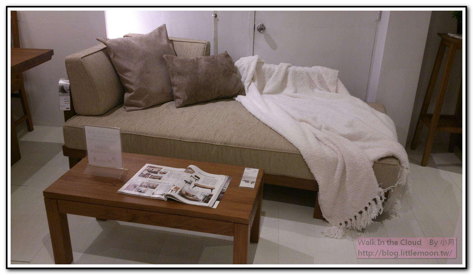 #E6512 本檔期最優惠 單人沙發床 23900元 (適合看電視臥倒用,附贈枕頭*2、披毯*1)