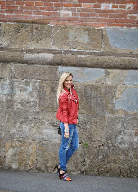 outfit chiodo in pelle rosso mariafelicia magno fashion blogger colorblock by felym outfit primaverili donna blog di moda blogger italiane di moda milano ragazze bionde