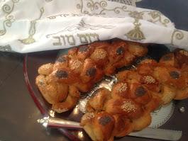 חלה לחם ולחמניות