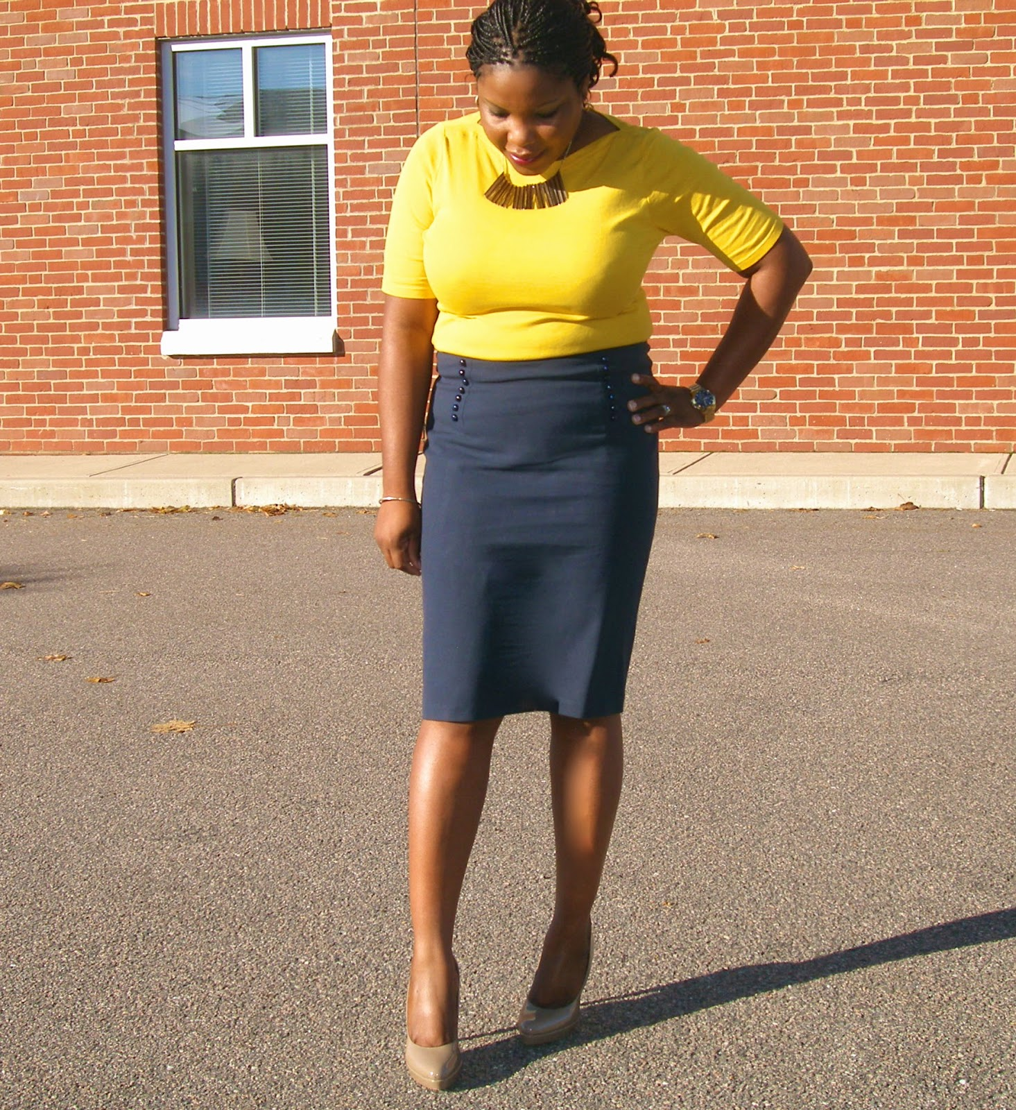 Style and co top quality, AGB Flounce skirt, what shoes to wear with Navy