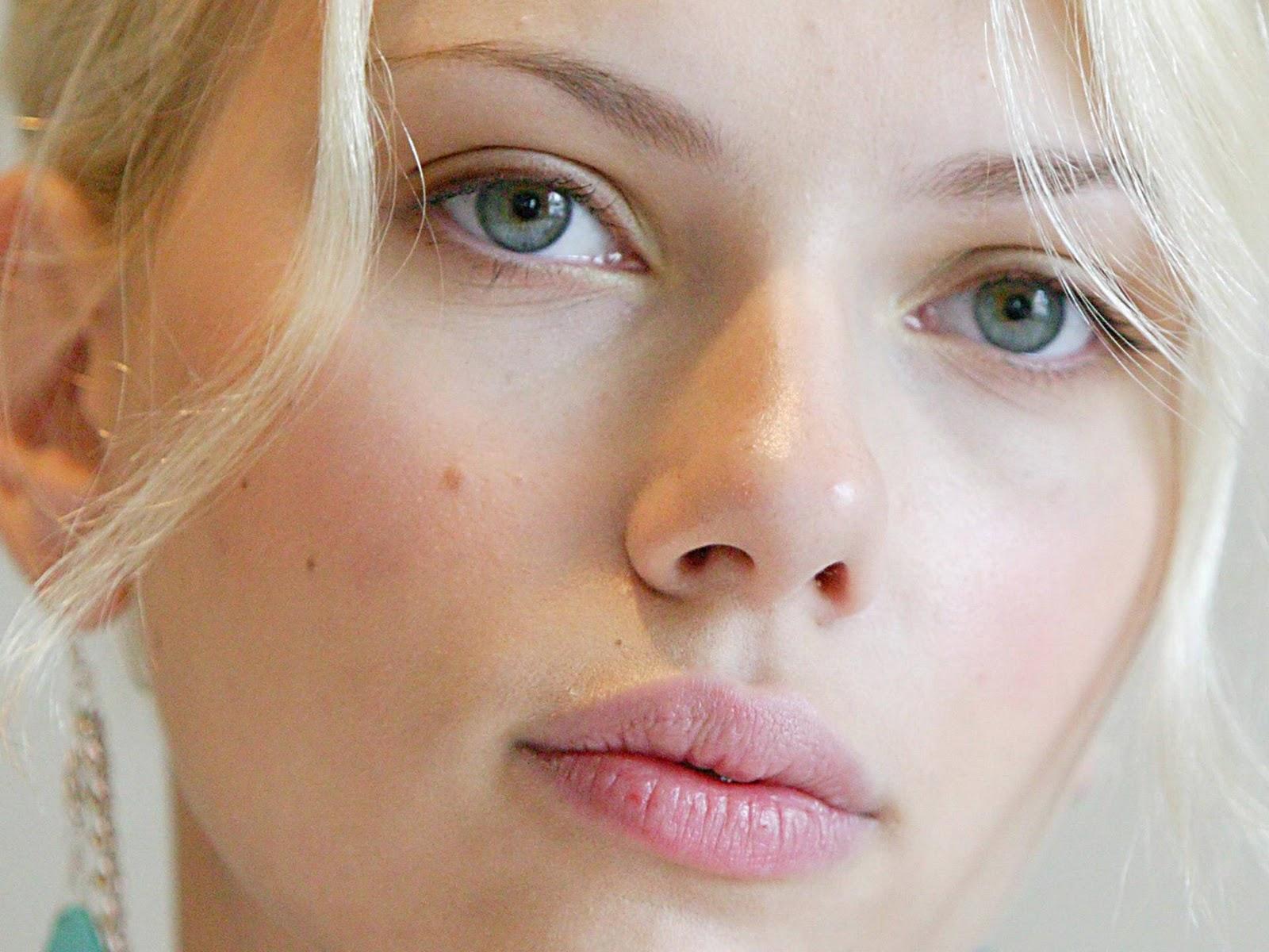http://2.bp.blogspot.com/-PUEnzCBehMo/TqwPswEoqmI/AAAAAAAAIa0/-9DS3LdY9O0/s1600/Scarlett+Johansson+5.jpg