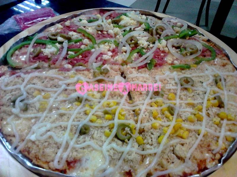 Pizza de Frango com Catupiry e Portuguesa Du'Cheff