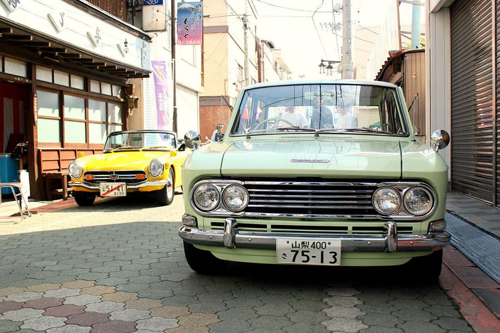 Honda S800 & Datsun Bluebird 410 klasyczne kultowe japońskie samochody
