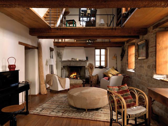 Estilo rustico casa rustica en montefeltro - Salones de casas rusticas ...