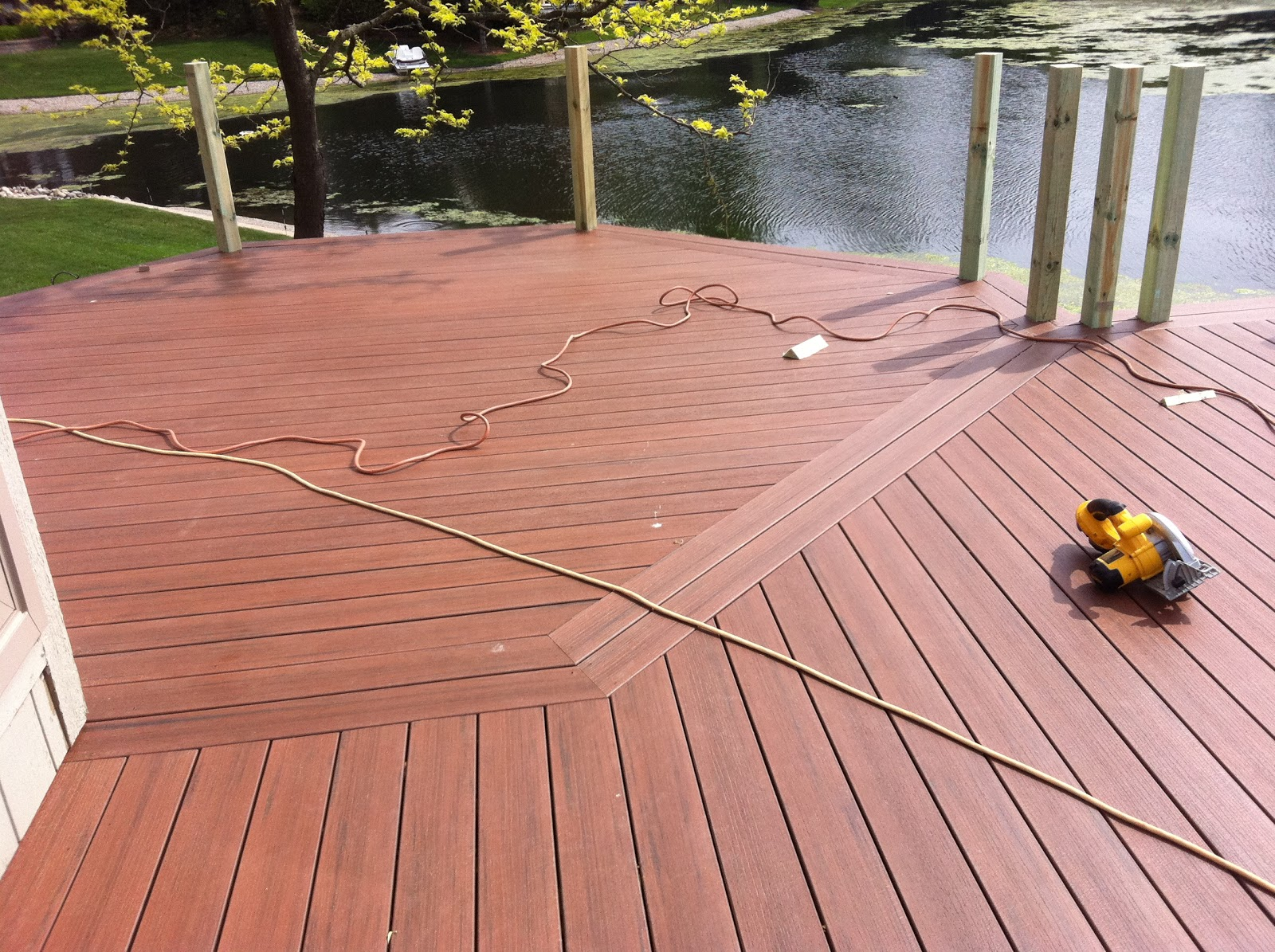 Outdoor living shelby twp mi composite deck for Which timber for decking