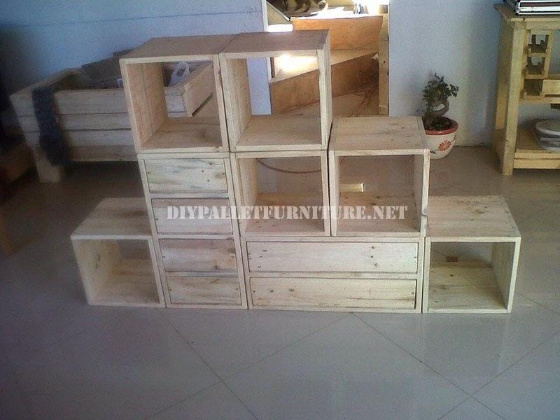 Estanteria modular hecha con palets - Estanteria cubo ikea ...