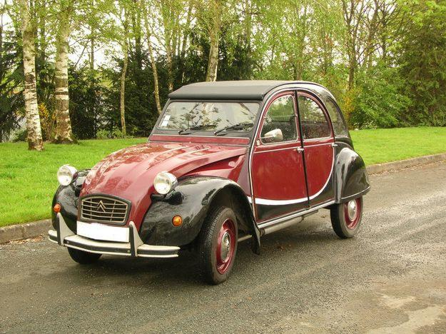 french girl in seattle la deux chevaux 2 cv a french legend. Black Bedroom Furniture Sets. Home Design Ideas