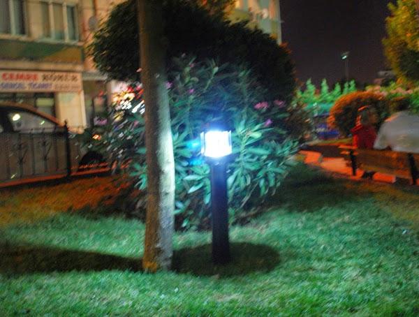 Güneş enerjili bahçe aydınlatma armatürleri