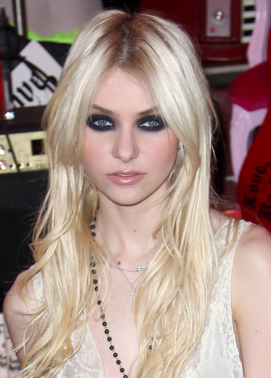 momsen free from now on  cw announced y will not bring taylor