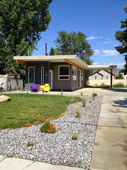 01-Jeff-White-The-Sarah-House-Recycled-Affordable-Architecture-Shipping-Containers-www-designstack-co