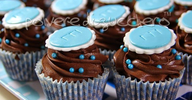Chocolate cupcakes cupcake al cioccolato per una cresima for Decorazione torte e cupcake
