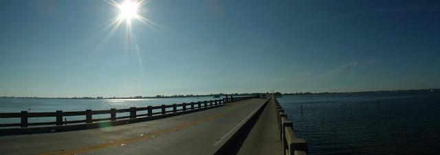Hacia Holmes Beach desde Perico Island