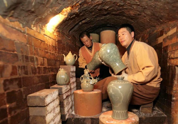 POTTERY     陶器