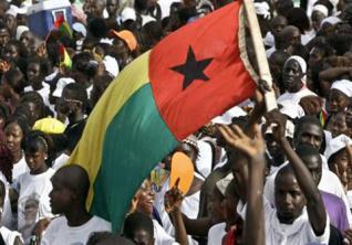 Guiné-Bissau: Manifestação em Bissau exige demissão do Primeiro-ministro e pede justiça