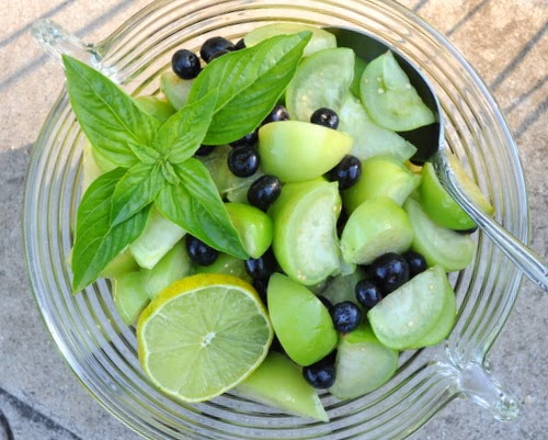 Raw Tomatillo Salad with Blueberries, so simple, so lovely, so delish. Low-carb, paleo, gluten-free, vegan, Weight Watchers friendly.