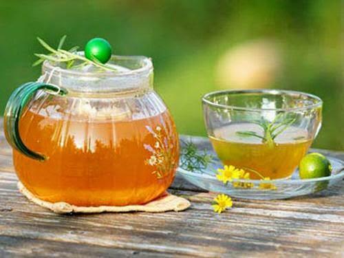 trị nám da mặt với trà và mật ong