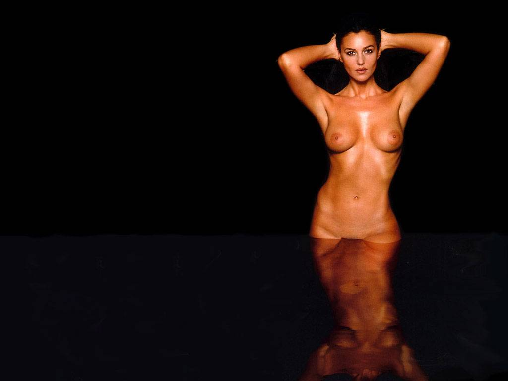 monica bellucci topless