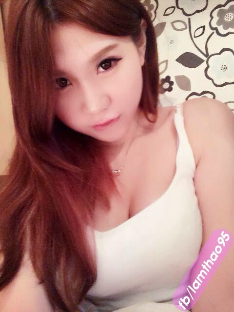 Ngắm Hot girl … ngủ với ba dượng – Lam Thảo Clover