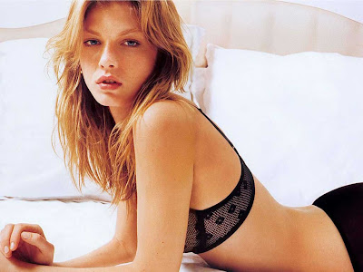 Angela Lindvall - Victoria Secret Models