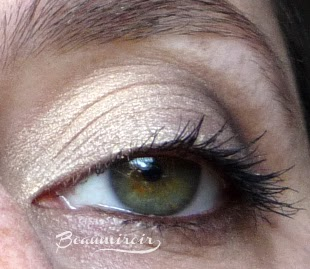 Rouge Bunny Rouge Fire Drops Loose Glitter Pigment: Sleeping Under A Mandarin Tree - swatch worn on eyes