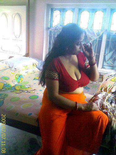 Desi Beautiful Sex Aunties Spicy Real Sexy Aunty indianudesi.com
