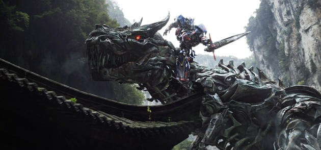 Gambar Optimus Prime vs Grimlock Film Transformers 4 Age of Extinction