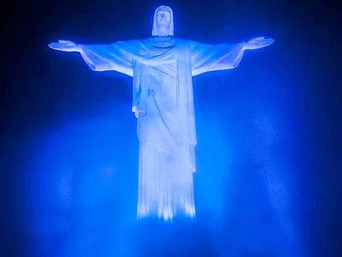 Resultado de imagem para Cristo Redentor azul