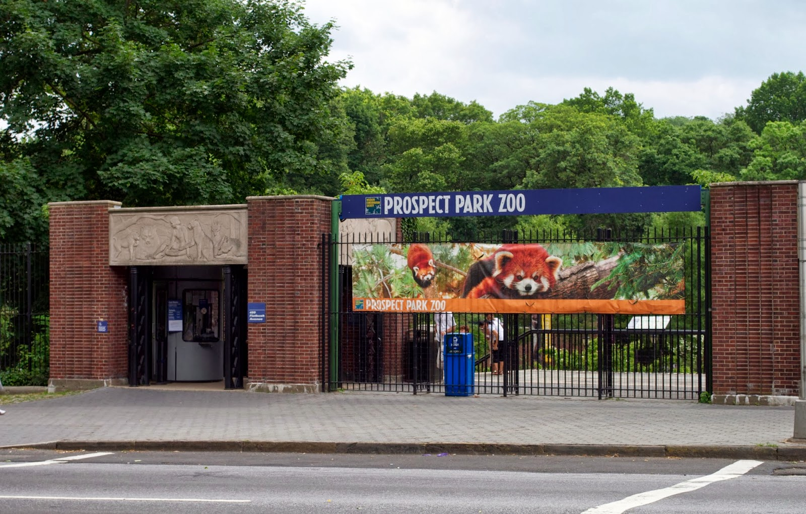 prospect park dating Prospect park is a 585 acre (24 km²) public park in the new york city borough of brooklyn located between park slope, prospect-lefferts gardens, kensington, windsor terrace and flatbush avenue, grand army plaza and the brooklyn botanic garden and seven blocks northeast of green-wood cemetery.