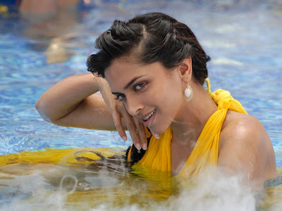 Deepika Padukone Standard Resolution HD Wallpaper 13