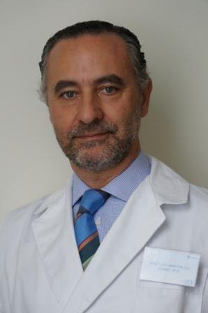 Martín del Yerro cirujano plástico