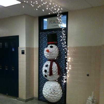 winter door decorating contest. door decorating contest winter