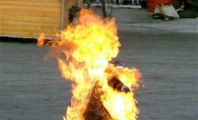 Έβρος: Γιος έκαψε τη μητέρα του ζωντανή προσπαθώντας να αυτοκτονήσουν μαζί