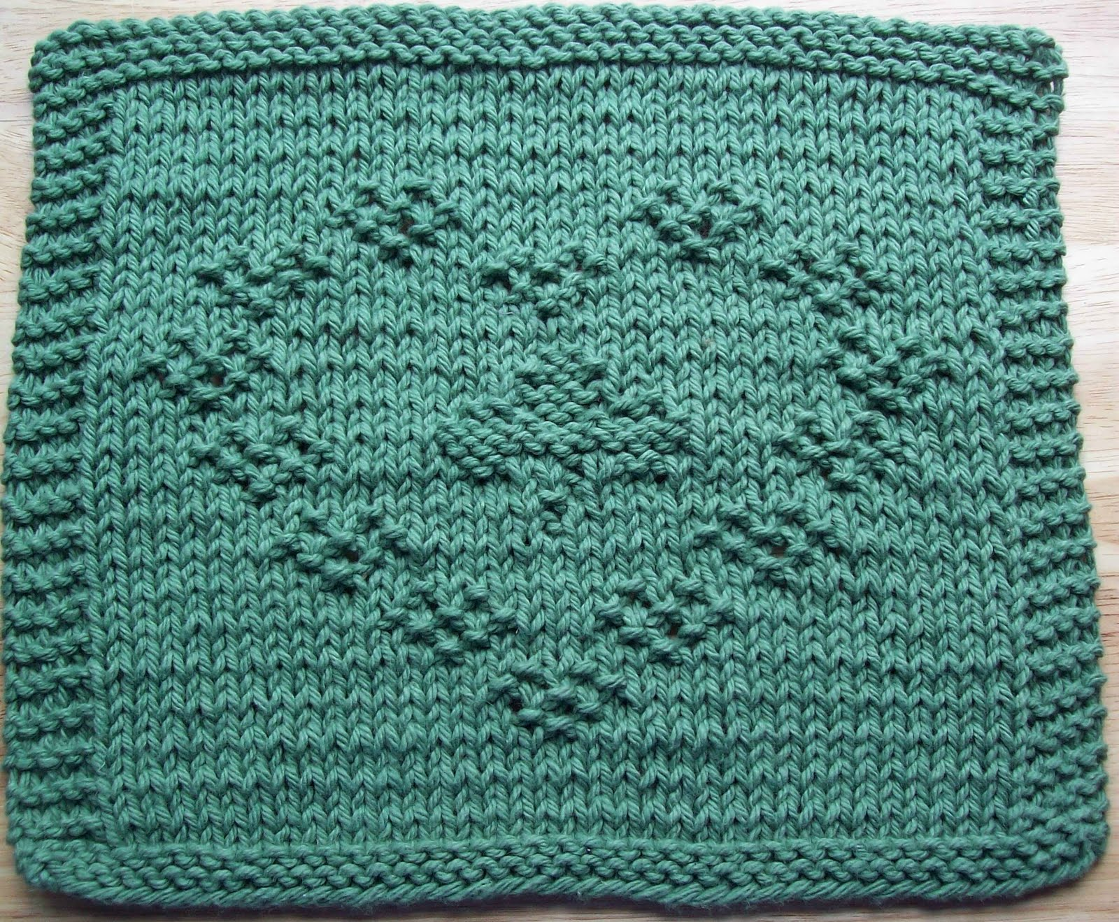 DigKnitty Designs: Shamrock Heart Too Knit Dishcloth Pattern